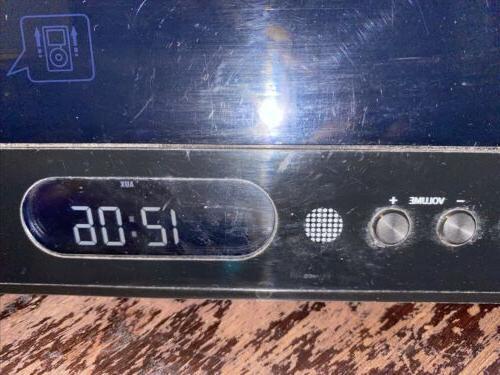 Used System IH319B AM/FM Stereo Radio iPod Clock
